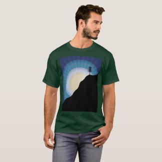 Camiseta Cesta em uma montanha