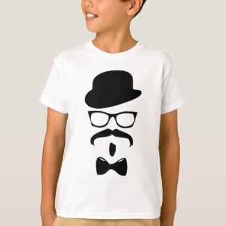 Camiseta chapéu e vidros do laço