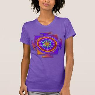 Camiseta Cheio de SRI YANTRA colorido + suas ideias