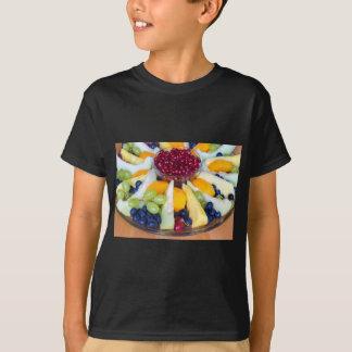Camiseta Cheio de vidro da escala de várias frutas frescas