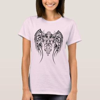 Camiseta Cicatrizes tribais da cruz de asas