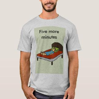 Camiseta Cinco mais minutos