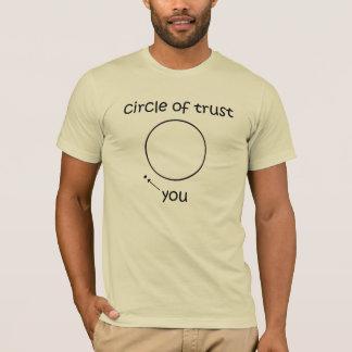 Camiseta Círculo do t-shirt da confiança (encontre os pais)