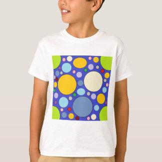 Camiseta círculos e bolinhas
