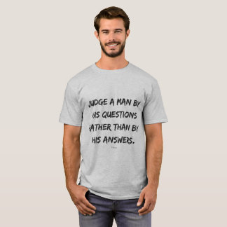 Camiseta Citações sobre a vida de Voltaire