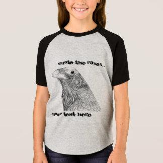 Camiseta Cite o t-shirt customizável da menina do corvo