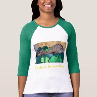 Camiseta Clara e t-shirt do dia de Maude St Patrick