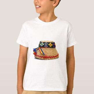 Camiseta clop o chapéu tradicional
