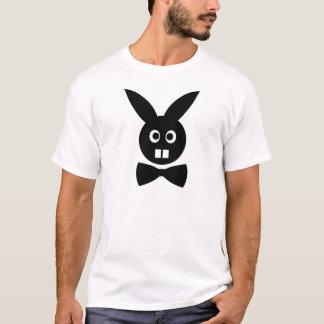 Camiseta coelho agradável com ícone do laço