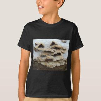Camiseta Cogumelos no inverno