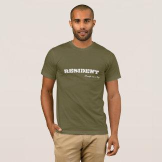 Camiseta Colisão residente em um registro