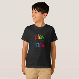 Camiseta Coloque Pin de segurança agradável T do arco-íris