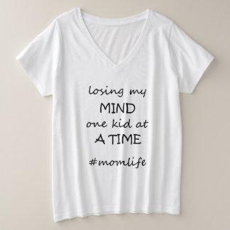 Camiseta Com Gola Em V Plus Size perdendo meu T da mente (mais o tamanho)