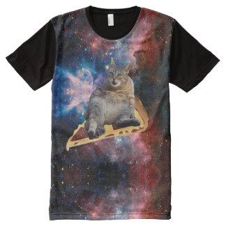 Camiseta Com Impressão Frontal Completa Gato da galáxia que surfa na pizza
