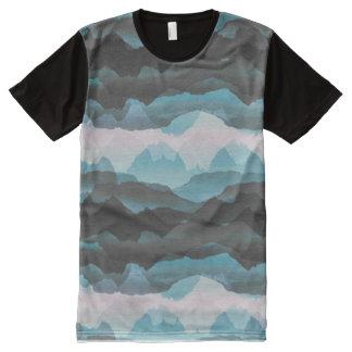 Camiseta Com Impressão Frontal Completa Montanhas azuis estilizados desvanecidas
