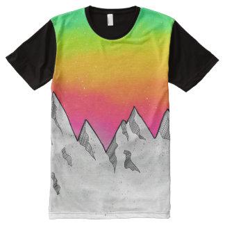 Camiseta Com Impressão Frontal Completa Paisagem da cena da montanha