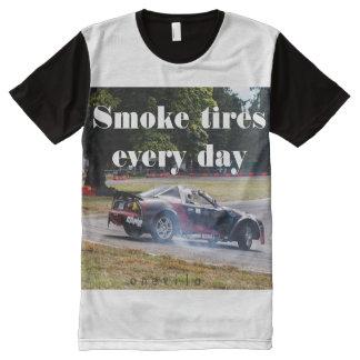 Camiseta Com Impressão Frontal Completa Pneus do fumo cada dia Zombiata