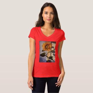 Camiseta com o girassol na janela