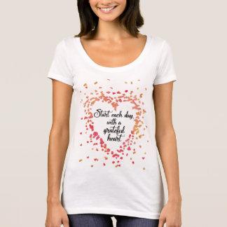 Camiseta Comece cada citações inspiradas do coração grato