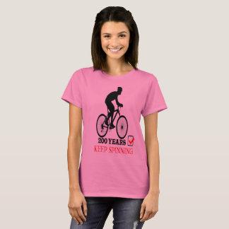 Camiseta Comemorando 200 anos da bicicleta mantêm-se girar
