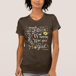 Camiseta Compaixão do amor de justiça da busca do 6:8 de