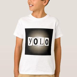Camiseta Conceito de YOLO