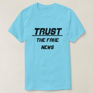 Camiseta Confie a notícia falsificada