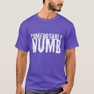 Camiseta Confortavelmente insensibilizado