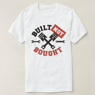 Camiseta Construído não comprado