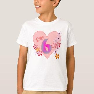 Camiseta Coração cor-de-rosa e flores do 6o aniversário da