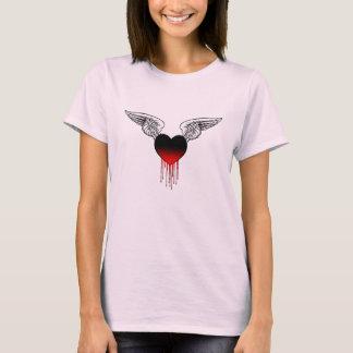 Camiseta Coração de sangramento com t-shirt das asas