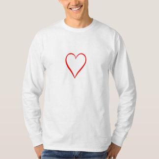 Camiseta Coração pintado em pano de fundo branco