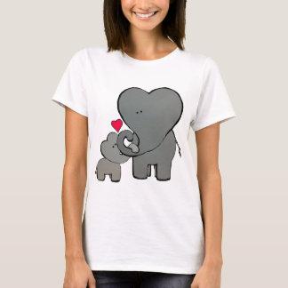 Camiseta Corações do elefante - um amor inesquecível