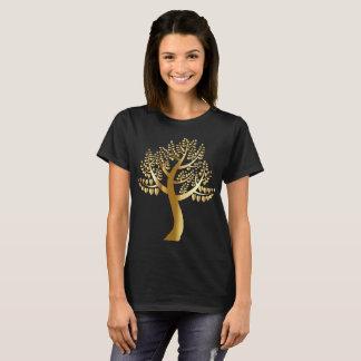 Camiseta Corações dos amantes do ouro em uma árvore do ouro