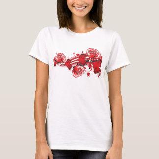 Camiseta corações e senhoras do tshirt do grunge dos rosas