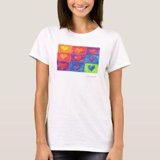 Camiseta corações nos quadrados