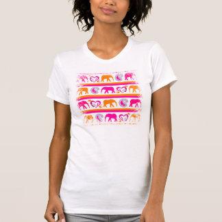 Camiseta Corações quentes alaranjados coloridos de Paisley