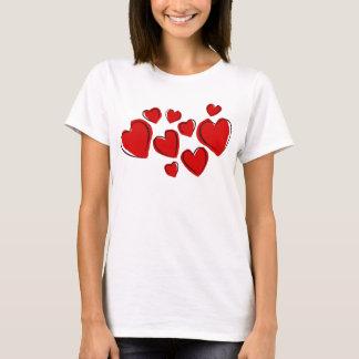 Camiseta Corações vermelhos