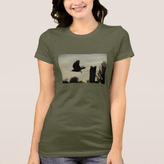 Camiseta Corvo em vôo