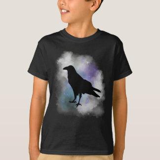 Camiseta Corvo preto no t-shirt fumarento da névoa