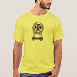 Camiseta Crachá do perito do espanador