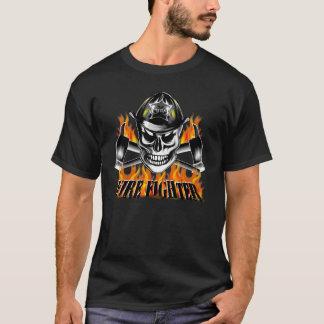 Camiseta Crânio 4 do sapador-bombeiro e machados
