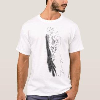 Camiseta crânio e asas