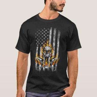 Camiseta Crânio flamejante do mecânico e bandeira americana