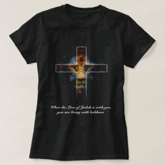 Camiseta Cruz - Jesus como o leão de Judah