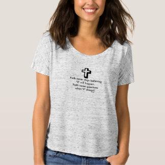 Camiseta Cruz nunca Slouchy do t-shirt w/Shadow da fé