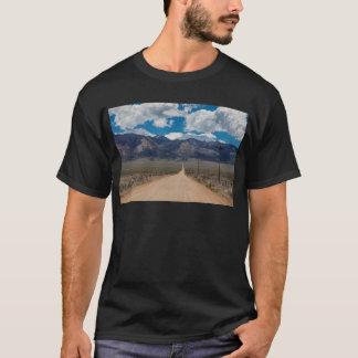 Camiseta Cruzamento da estrada da parte traseira do vale do