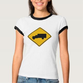 Camiseta Cruzamento do caminhão, sinal de aviso do tráfego,