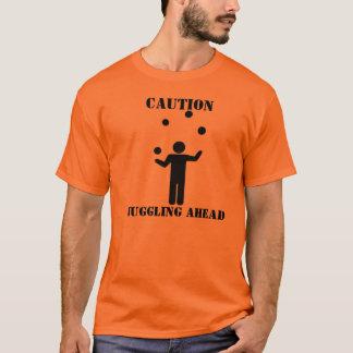 Camiseta Cuidado: Mnanipulação adiante
