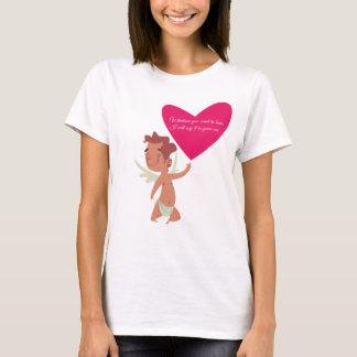 Camiseta Cupido dos namorados com sussurro grande do